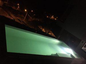 piscina infinity elevada