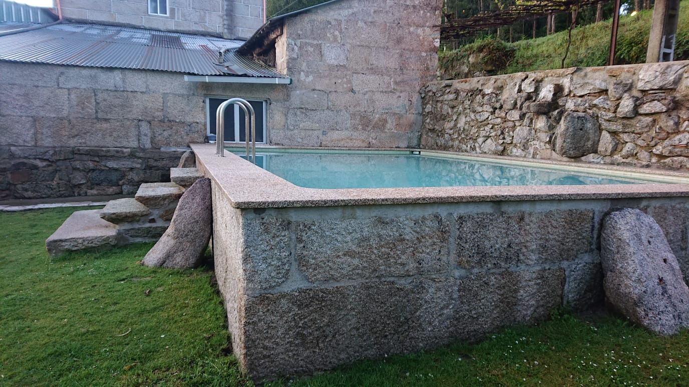 piscina rústica
