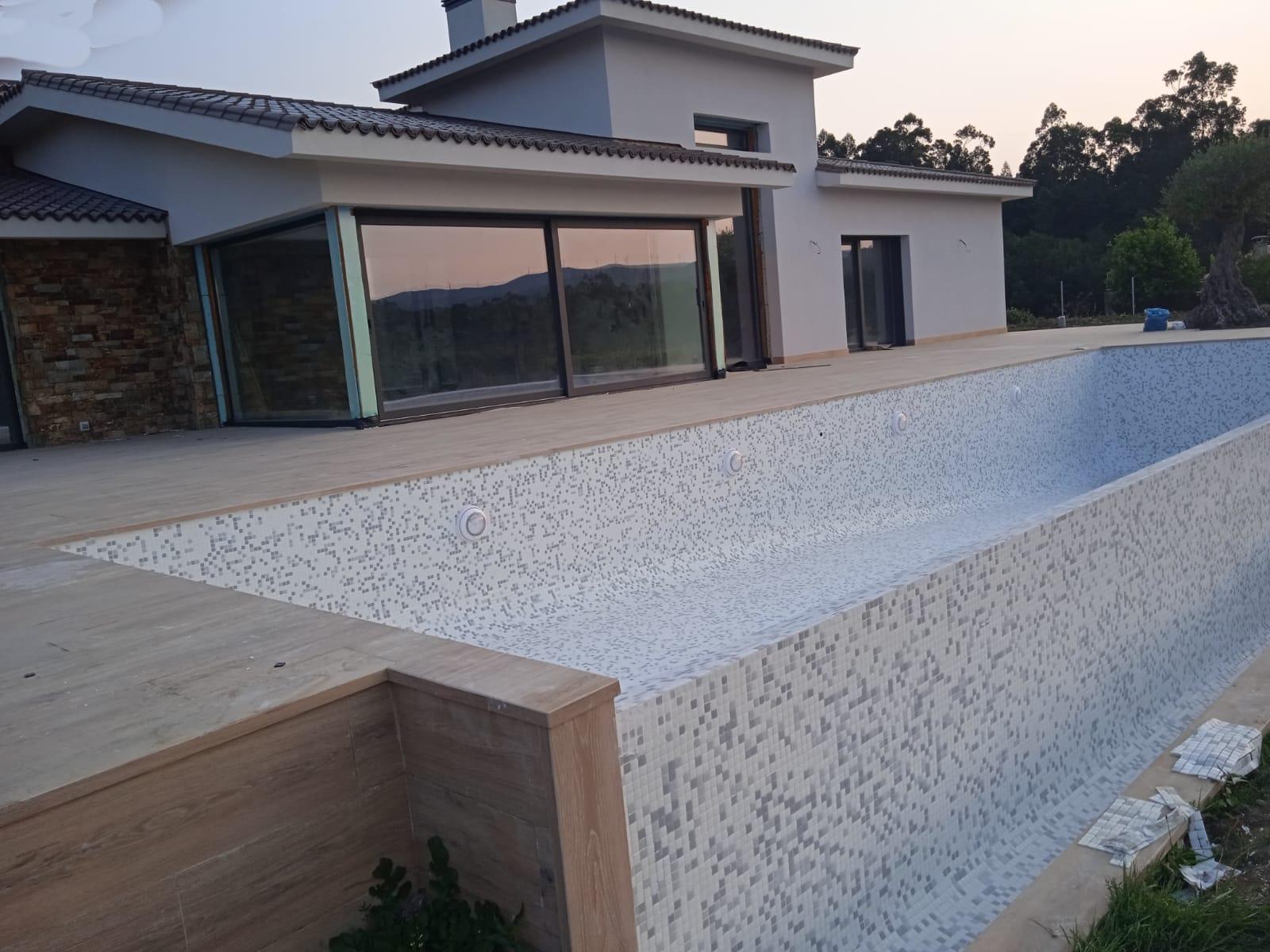 piscinas elifra anochecer